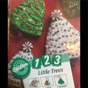 123 Little Trees Minicake Pan from Wilton